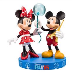 Tourist Paris - Mickey & Minnie