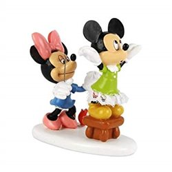 Minnie Sewing - Minnie