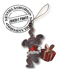 9330 Metal Ornament with Gift - Tigger