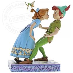 Disney Traditions An Unexpected Kiss - Peter & Wendy